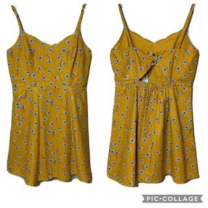 MARKET & SPRUCE Scallop Linen Blend Dress Gold M